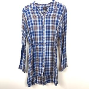 Oh Baby by motherhood Blue plaid flannel button up